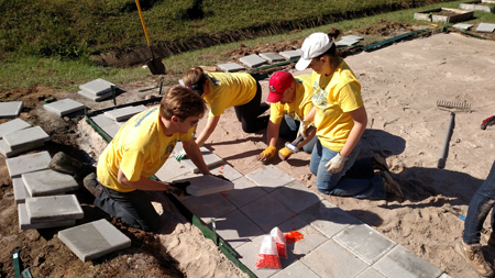 AIA Charleston and Cummins build Outdoor Classroom for Day of Caring!